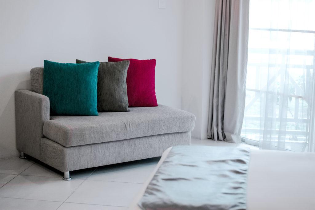 בחירת בעל מקצוע לניקיון הספות, השטיחים והמזרנים